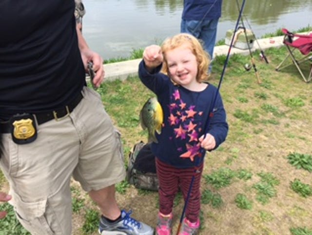New Castle County Police join young anglers at Glasgow Park