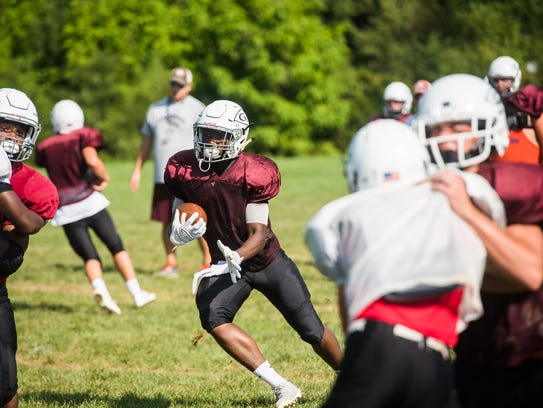 Gettysburg's Ferrious Ashford runs the ball Thursday