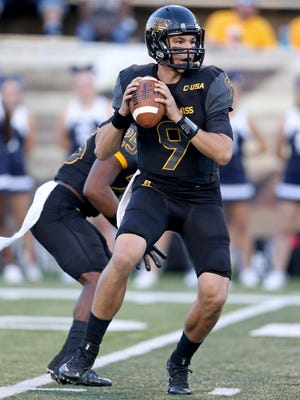 Quarterback Nick Mullens and the Southern Miss offense are rolling after setting several records Saturday in a 44-28 win over Rice.