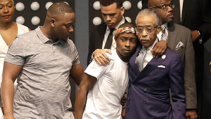 'Not a local matter': Al Sharpton, at funeral for Stephon Clark, blasts White House, says death 'woke up the nation'