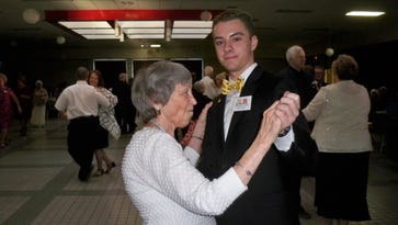 RHS students help offer 10th Platinum Prom