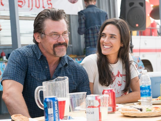 """Supe"" Eric Marsh (Josh Brolin) and Amanda Marsh (Jennifer Connelly) in 'Only the Brave.'"