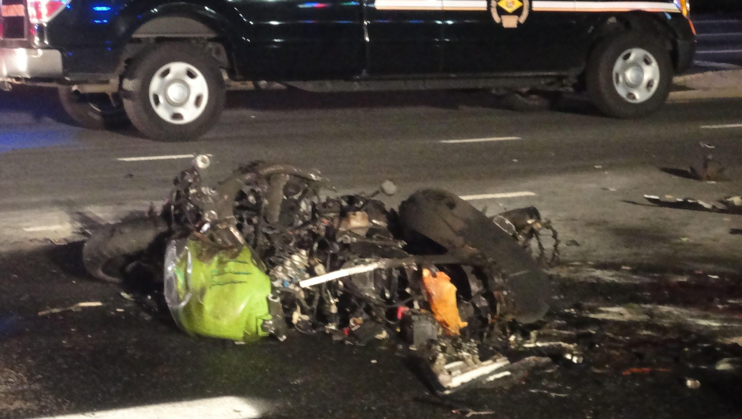man 24 dies in fiery del 1 motorcycle crash. Black Bedroom Furniture Sets. Home Design Ideas