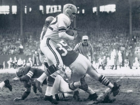 Quarterback Bobby Layne playing for the Pittsburgh