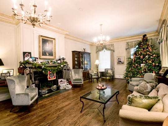 Tennessee Residence Drawing Room with Christmas tree