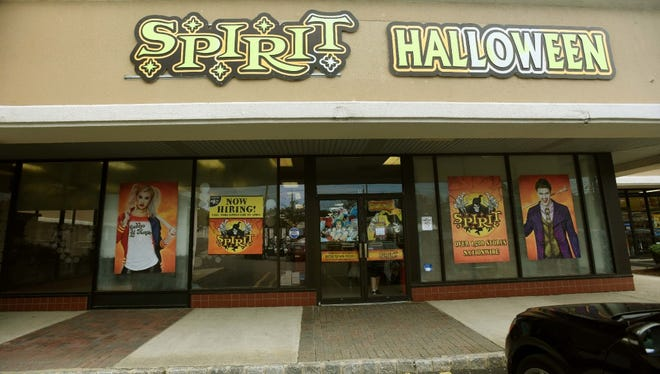 A Halloween pop-up store in Paramus. Landlords are using pop-ups as a leasing strategy rather than out of desperation
