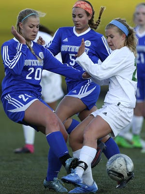 Green Bay Southwest and Green Bay Notre Dame received No. 1 seeds for the WIAA soccer tournament.