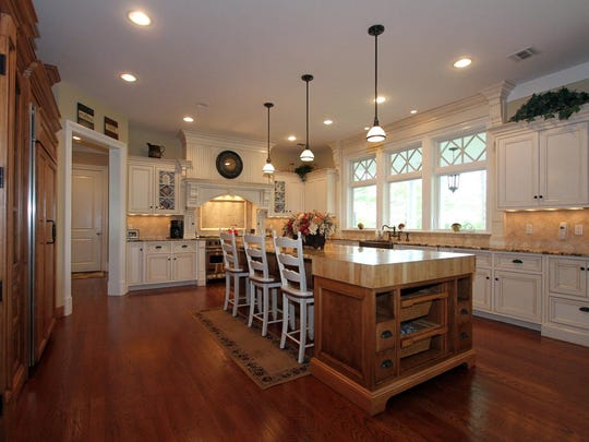 2 Harbor Drive Rumson NJ 07760-large-013-Kitchen-1500x1000-72dpi.jpg