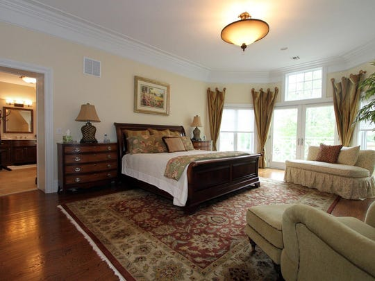 2 Harbor Drive Rumson NJ 07760-large-026-Master Bedroom-1500x1000-72dpi.jpg