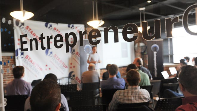 There are dozens of organizations that provide general business seminars and workshops in the Nashville area, including the Nashville Entrepreneur Center.