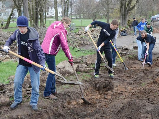Youth Day of Caring 5.jpg
