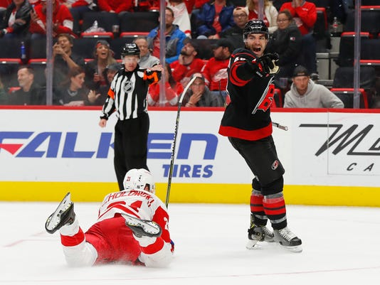 Hurricanes_Red_Wings_Hockey_11035.jpg
