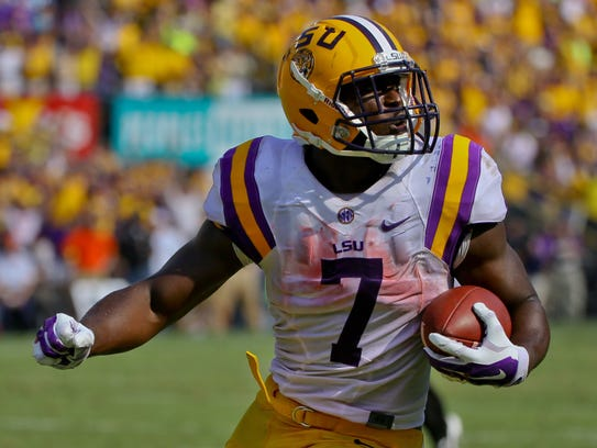 LSU Tigers running back Leonard Fournette amassed 1,953