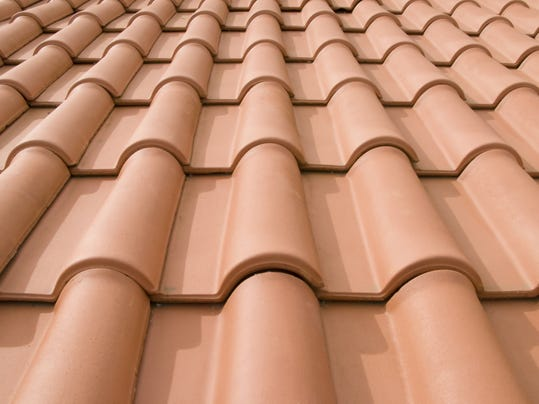 Roof cleaning ad doesn 39 t tell the whole story - Tuiles pour toiture maison ...