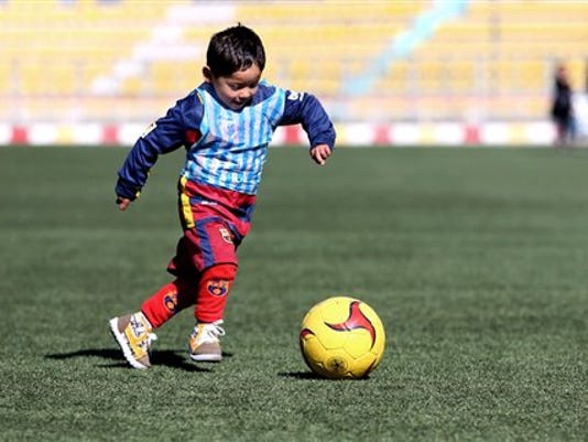 635900036581334108-Afghanistan-Messi-Shi-Geig.jpg