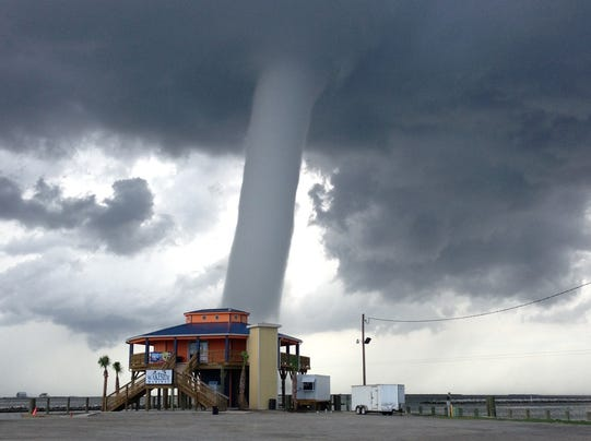grand-isle-waterspout