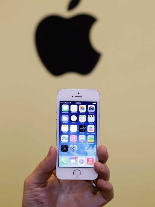 -APTOPIX_Apple_Event__vpanichk@statesmanjournal.com_1.jpg_20130910.jpg