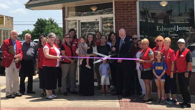 Chamber ambassadors recently joined local officials for the ribbon cutting for Luke Glasscock's Edward Jones office in Mountain Home, located at 22 E. 7th St.