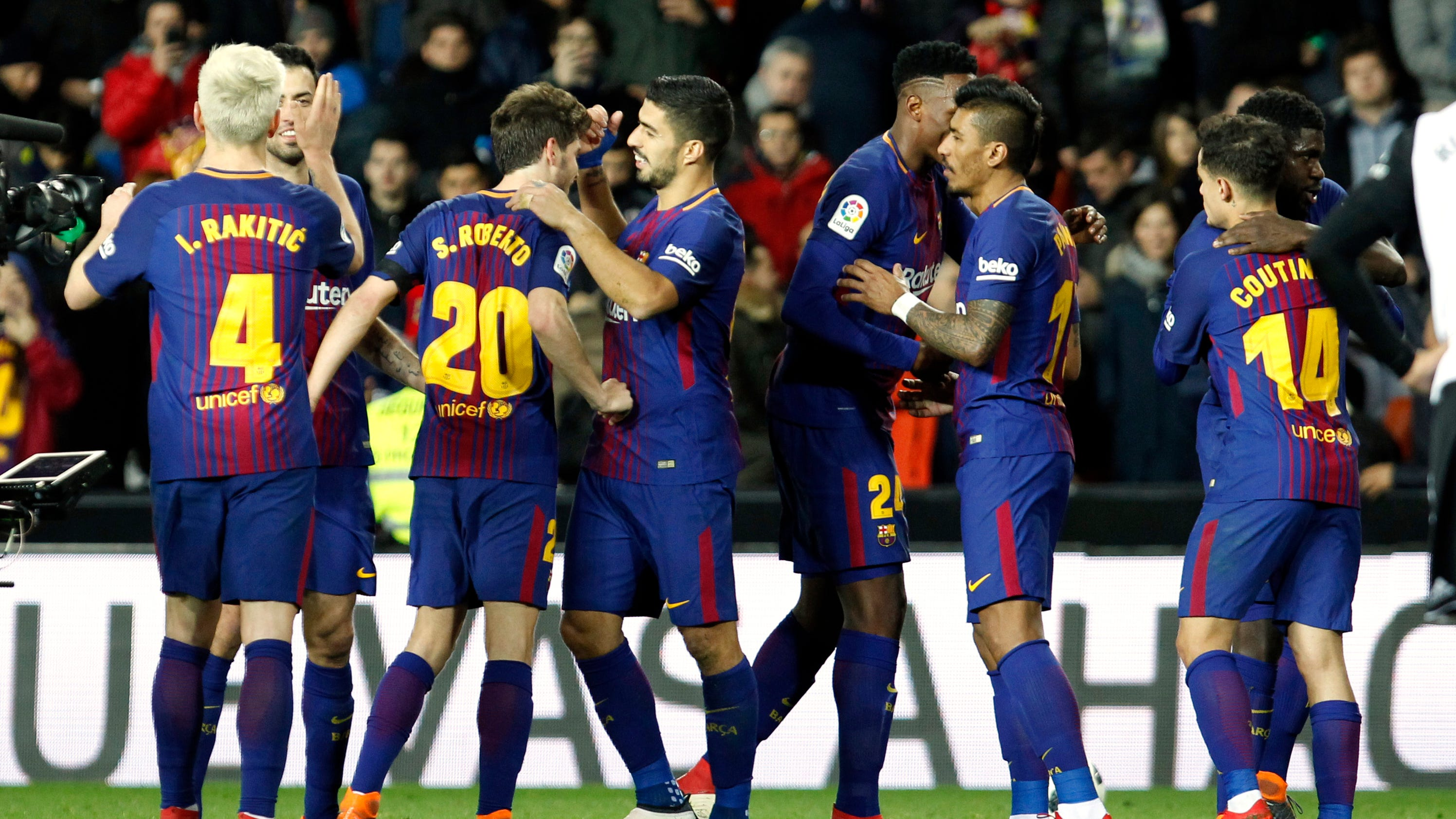 Coutinho scores as barcelona reaches 5th straight copa final - Firefly barcelona ...