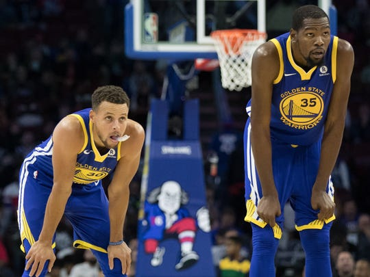 Golden State Warriors forward Kevin Durant (35) and