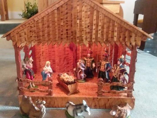 1 christmas-display-clyde