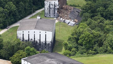 Warehouse collapse scares neighbors in the bourbon industry's shadow