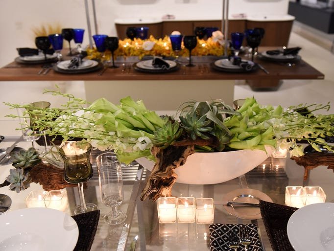 Table design by Jeffrey Jucewicz of Jeffrey Floral