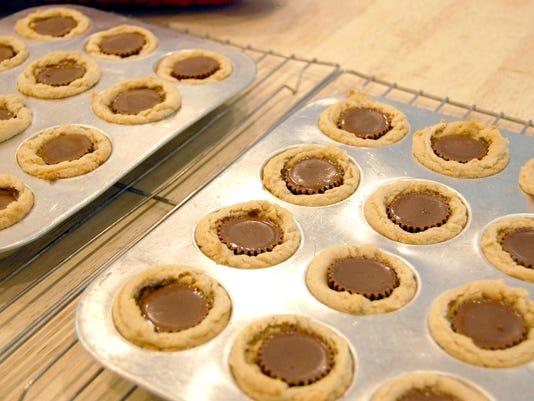 636680259620314769-Peanut-Butter-Cup-Cookies.jpg