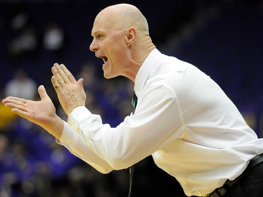 UWGB coach Kevin Borseth and his women's basketball team has lost three straight games for the first time since 2013.