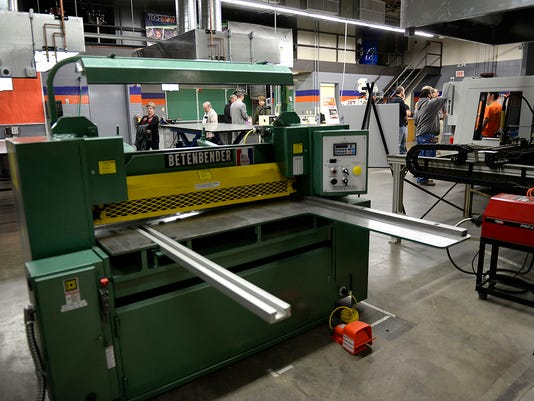 ES_GPG_Bay Link Manufacturing open house_10.15.1400085.jpg