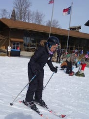 Karen Chávez learns to ski at Beech Mountain Ski Resort