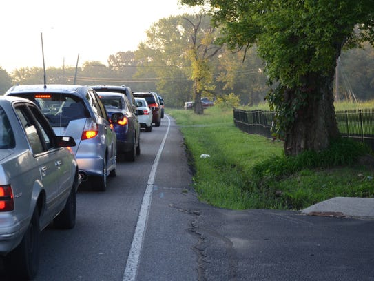 The morning traffic on Rossview Road consists mostly
