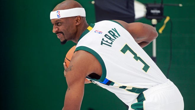 Jason Terry should add more offense off of the bench this season.