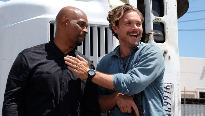Damon Wayans Sr. with his former 'Lethal Weapon' co-star Clayne Crawford.