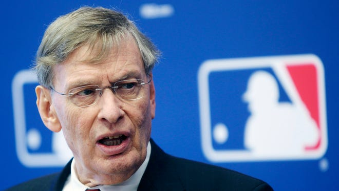 Bud Selig will step down as commissioner in Jan. 2015.
