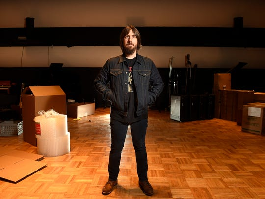 Dave Cobb is set to become the new producer-in-residence at RCA Studio A in Nashville.