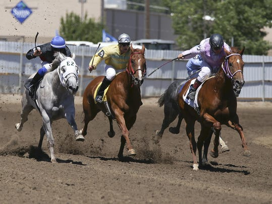 -horse_race_7_27_2.jpg_20140727.jpg