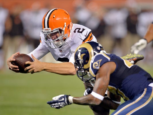 MNCO 0826 Manziel gives Browns 2-QB option.jpg