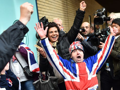 Royal fans celebrate the news of a new princess for