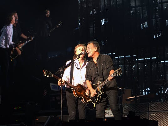 Springsteen Van Zandt Join Paul Mccartney On Stage At Madison Square Garden