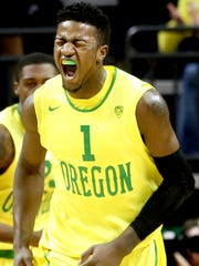 Oregon's Jordan Bell (1) celebrates a play in the first