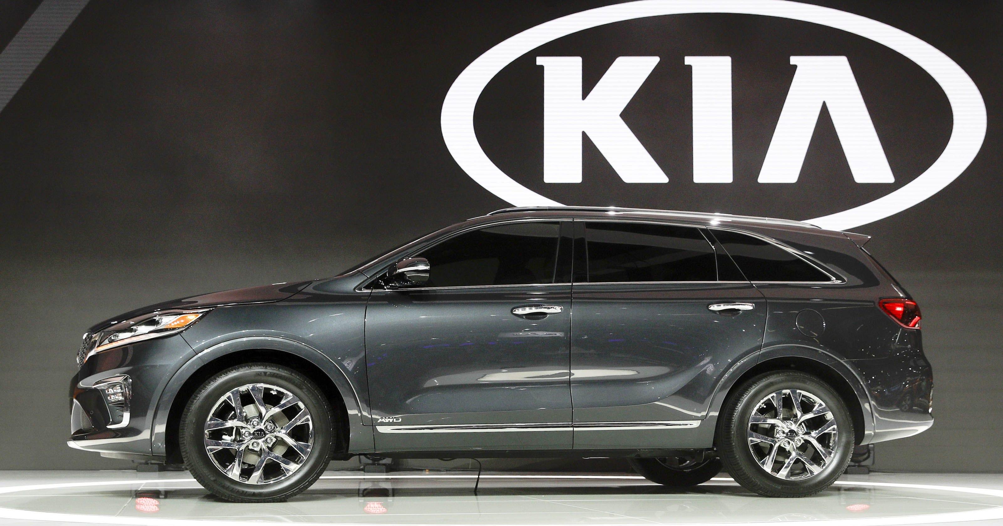 LA Auto Show Kia Sorento Will Be Safer Have Offroad Game - Kia car show
