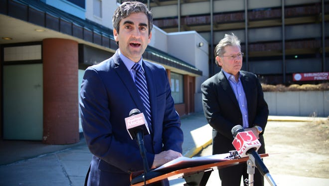 Burlington Miro Weinberger, left, and Burlington Town Center owner Don Sinex announce an agreement to redevelop the downtown mall.