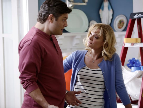 Eileen (Martha Plimpton) is a mom who usually has a