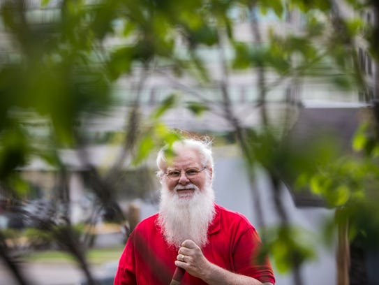 Durward Blanks is a professional Santa Claus and Lyft