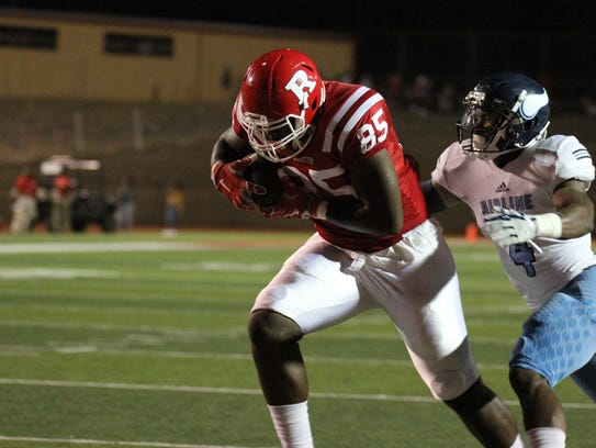 Ruston beats Airline 36-18 at a home game at Ruston