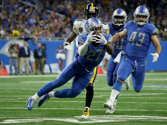 Detroit Lions safety Glover Quin made an athletic play for his third interception this season, diving to snag Ben Roethlisberger's pass out of the air during Sunday's 20-15 loss to the Steelers at Ford Field.