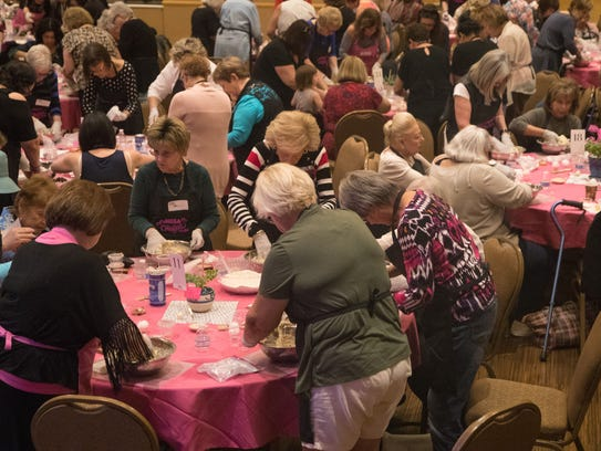 At the sold out challah bake at Sun City Palm Desert,