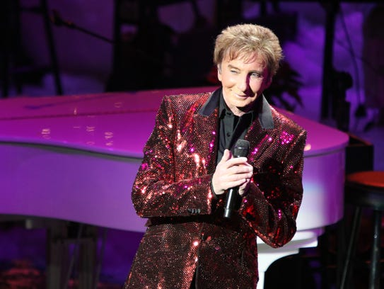 """Barry Manilow performs his """"A Gift of Love IV"""" benefit"""