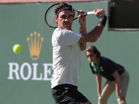 Roger Federer defeats Federico Delbonis in a continuation